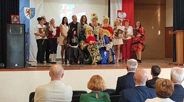 """Teatr """"My"""" otrzymał honorowe wyróżnienie """"Cisy Przybiernowskie""""."""