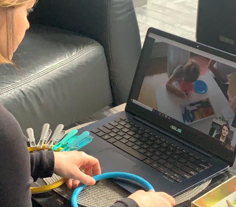 Dziś odbyły się pierwsze zajęcia online w ramach wczesnego wspomagania rozwoju dziecka.